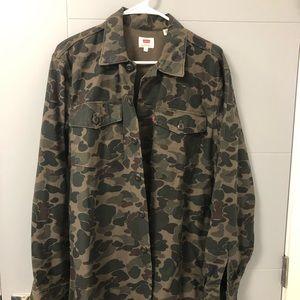 Levi's camo shirt jacket